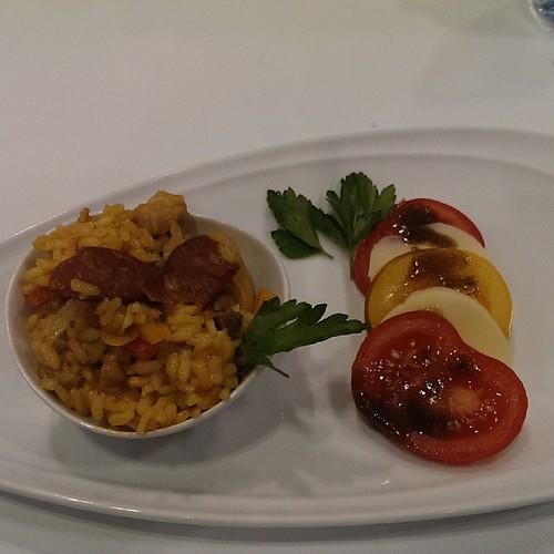 And the presentation of Georgian College's version of @cheftizzard's paella #RAWF @tastecanada #cooksthebooks