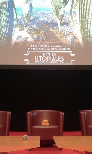 Notre invité surprise est prêt pour la conférence  de 10h #utos2013