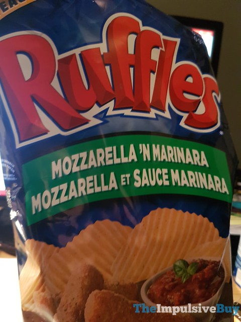 Ruffles Mozzarella 'n Marinara Potato Chips (Canada)