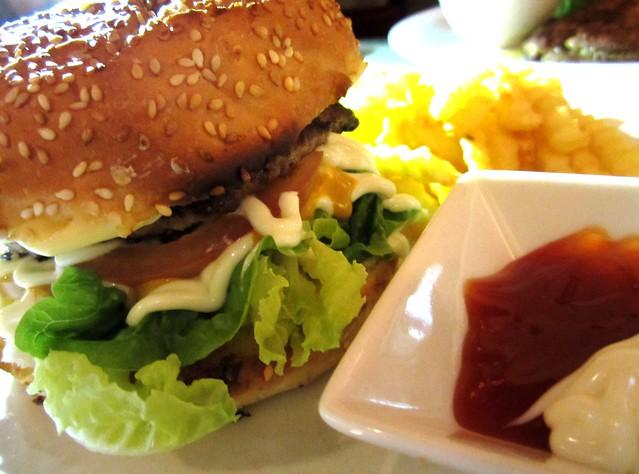 Bistecca & Bistro pork burger 1