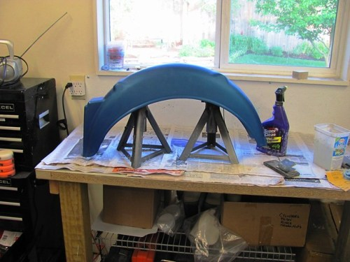 Keep Fender Edges off the Work Bench with Jack Stands