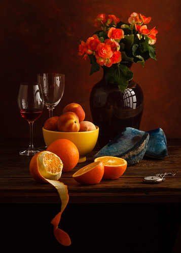 Peaches and oranges by Luiz L.