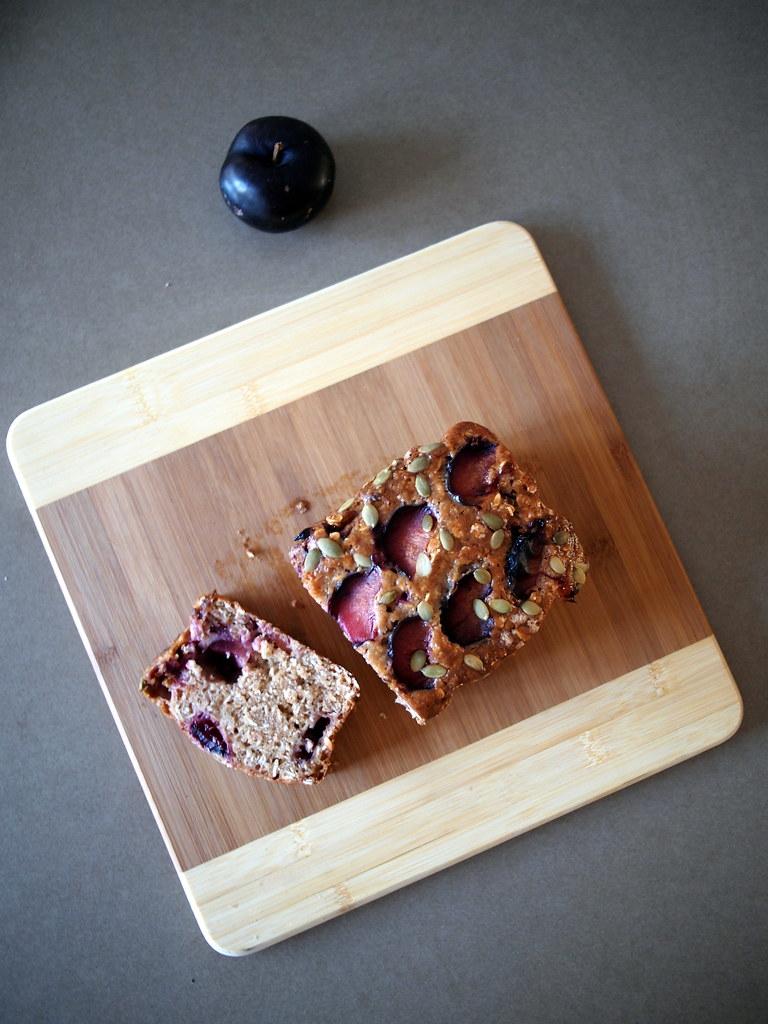 Spiced plum oatcake