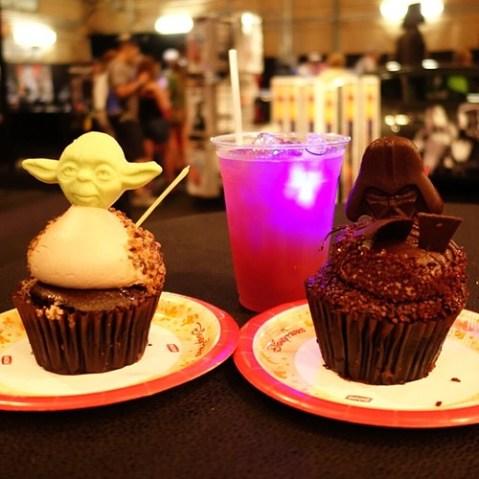 ヨーダとダースベイダーのカップケーキ。
