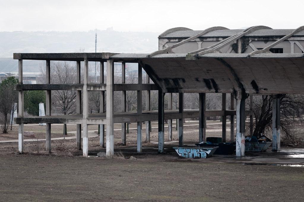 Hangares abandonados UAH (III)