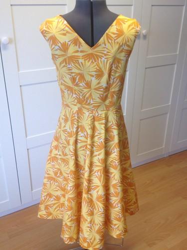 sunflower Vogue 8460 back