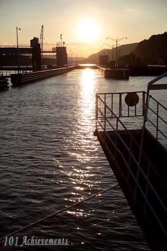 Gateway Clipper Locks & Dams Dinner Cruise