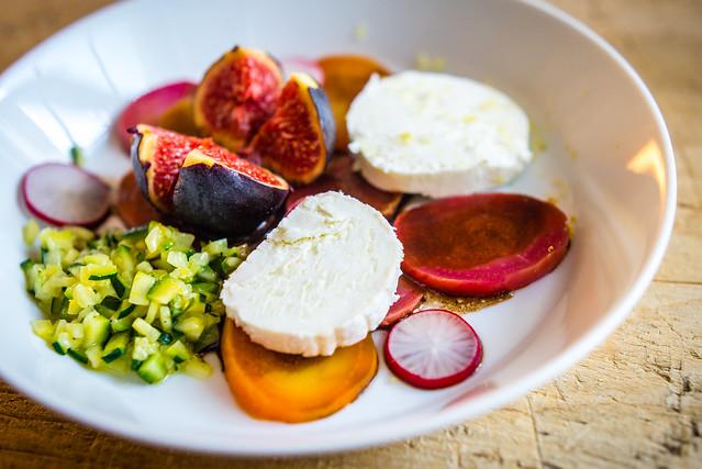 Recepten met vijgen: schilderachtige salade met gepofte bietjes en een kaviaar van courgette