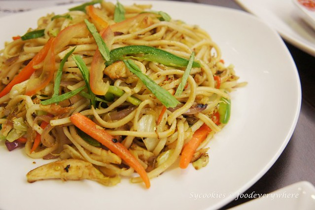 8.nepal restaurant- ChowMien RM 9- Stir fried noodles in Nepalese spices and sauces. Available in chicken or vegetable