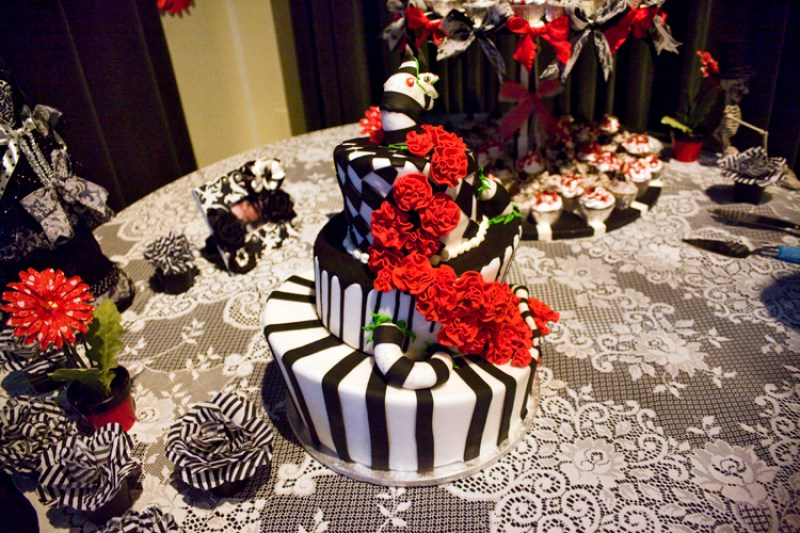sarah amp troys beetlejuicethemed epic fx movie wedding