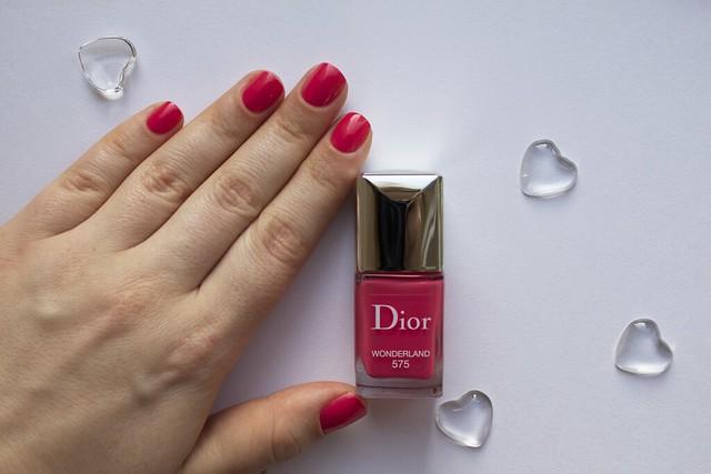 05 Dior 575 Wonderland swatches
