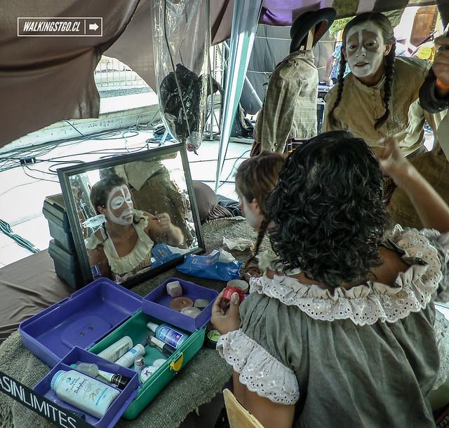"""Obra """"Cholita y su Tambo"""" cerrando el Festival @santiagooff en el @centroGAM"""