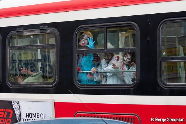 TorontoZombieWalk_16_2011-10-22