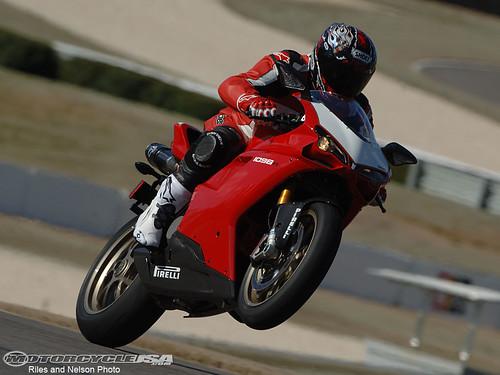 2008_Ducati_1098R_a7