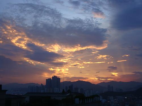 Der Himmel über Busan by Jens-Olaf