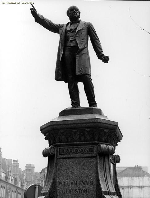 Statue of William Ewart Gladstone, Albert Square