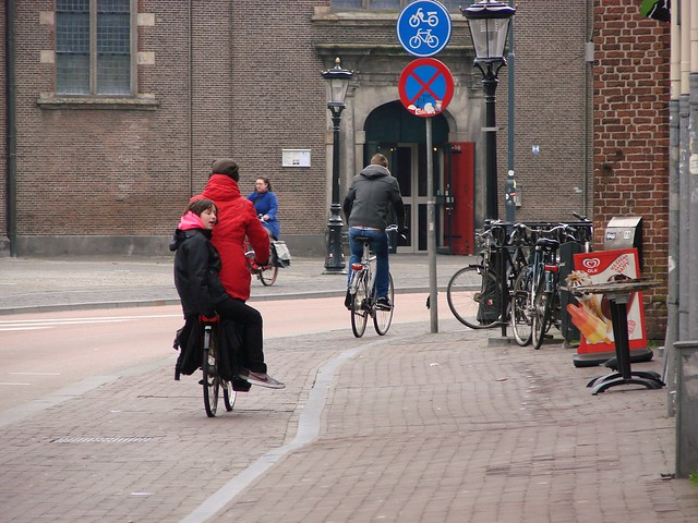 Weekly Photo Challenge: Street (and Bicycle) Life in Utrecht (2/4)
