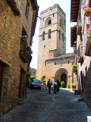 Monte Perdido Village