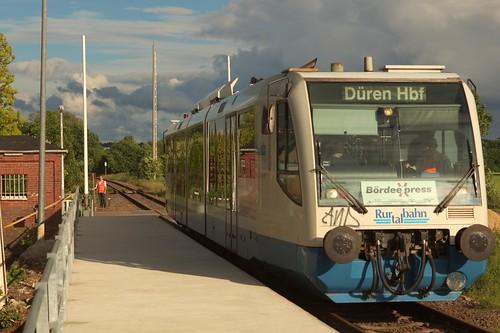 Bördebahn- Haltepunkt Nemmenich nach der Instandsetzung by bahnmeisterei