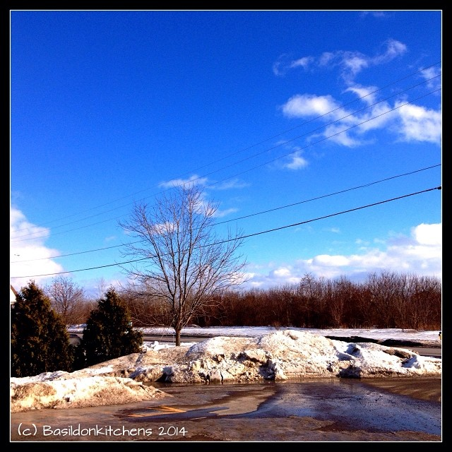 6/1/2014 - happens everyday {I look outside to check the weather} Looks like a nice sunny day, but a storm is predicted! #fmsphotoaday #weather #bluesky #sunshine #winter