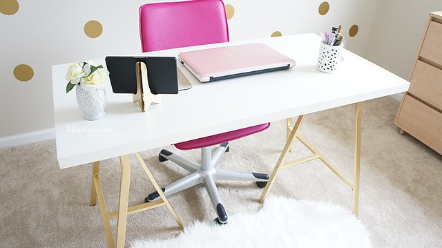 Beauty Room - Desk