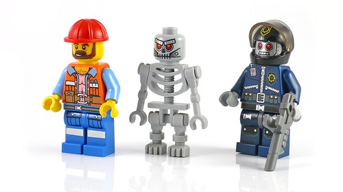 LEGO The Movie 70807 MetalBeard's Duel figs01