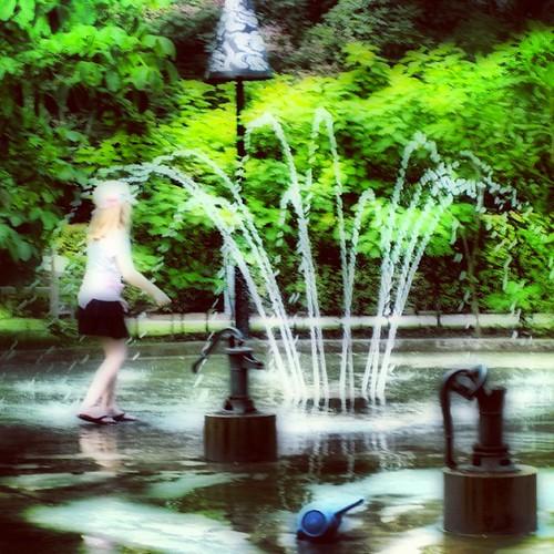 Children's #fountain at #singapore botanic gardens by @MySoDotCom
