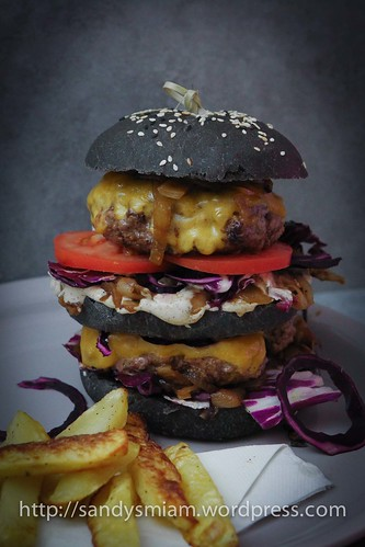 Sandy's Black incredible Burger