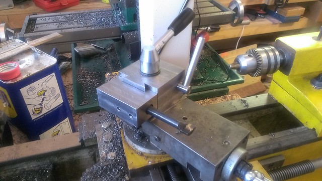 Boring bar holder for lathe