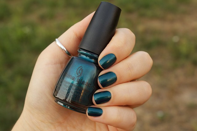 04 China Glaze Autumn Nights Tongue & Chic