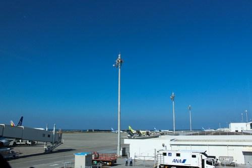 那覇空港のANA LOUNGEから見える景色