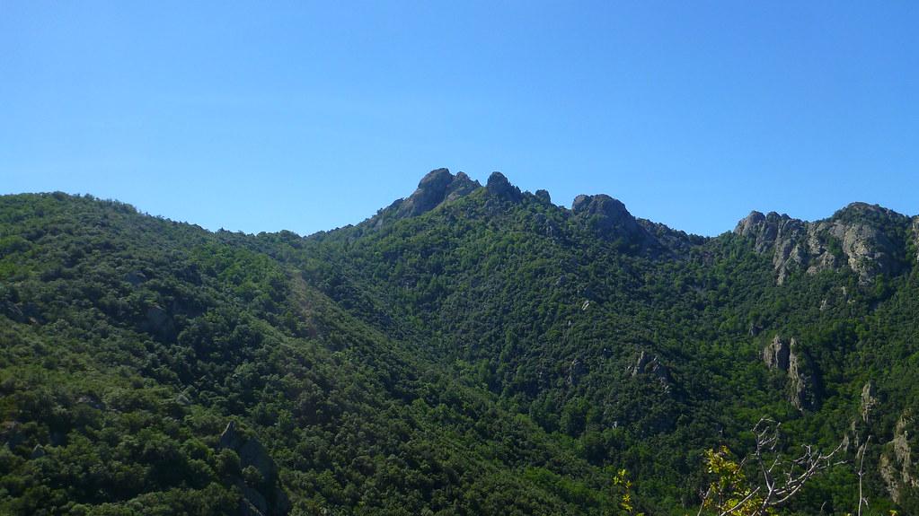 Gorge de Mondony, Roc de Saint Salvador