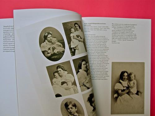 Michael Nedo (a cura di), Una biografia per immagini. Carocci 2013. Progetto grafico di Shoko Mugikura e Michael Nedo. Falcinelli & co. per l'ed. it. Pag. 32 e 33 (part.) 1