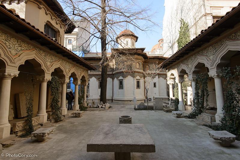 Curte manastirea stravopoleus