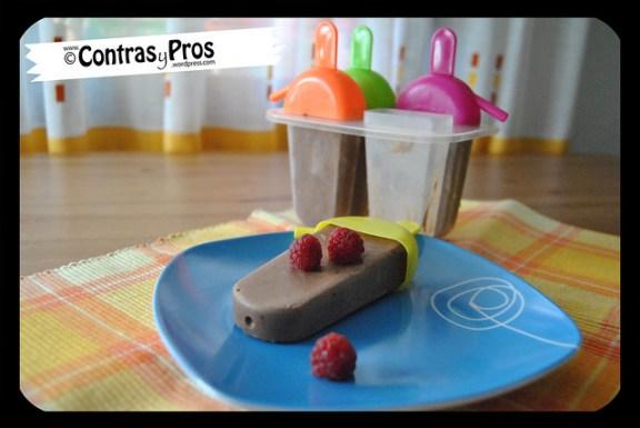 Polos de chocolate y yogur