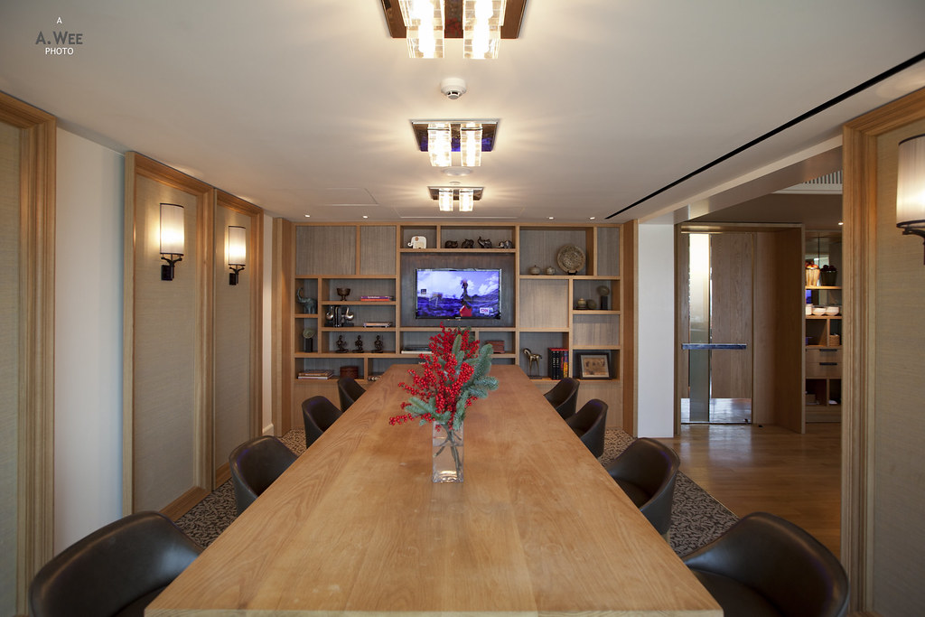 Communal table in the lounge