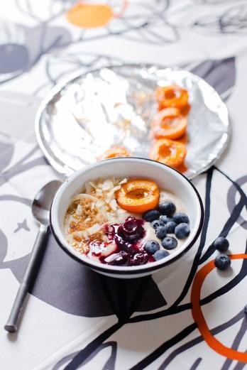 Coconut Flour Porridge with Roasted Apricot
