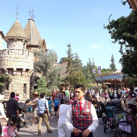 ファンタジーランドにて、ディズニーランドの構想のもととなったグリフィスパークの話。家族で楽しめるパーク。