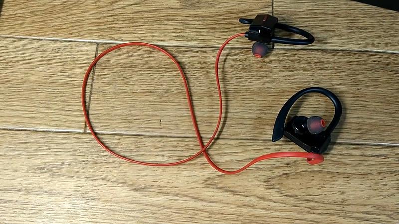 NC-300 ONDTECH Bluetoothイヤホン.Still012