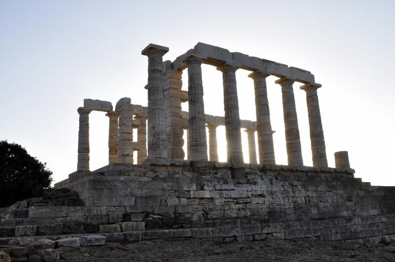Vista del Templo Sounion cuando el sol empieza a caer en el sunset Cabo Sounion Cabo Sounion y el Templo de Poseidón 12173829903 43845b7cea c