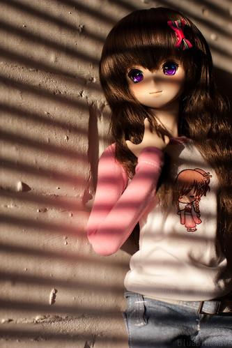 Akiko in Moekana shirt by Murasaki.me