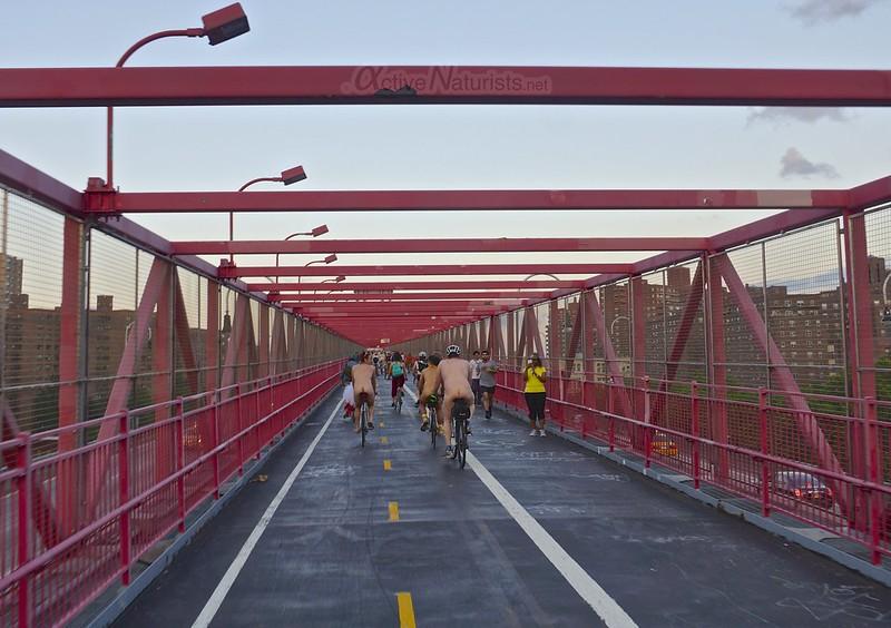 naturist 0006 World Naked Bike Ride 2013, New York, USA