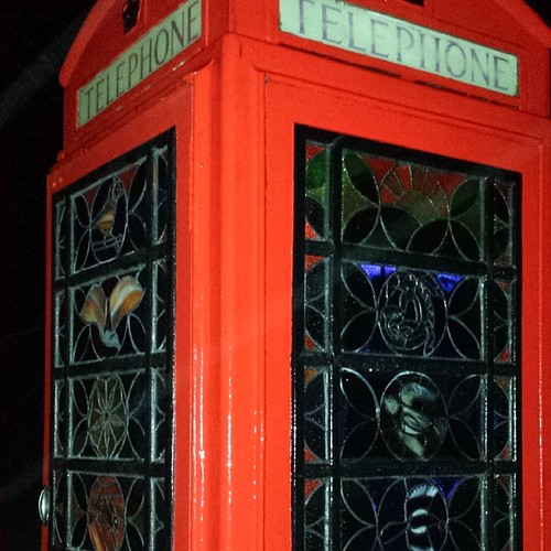 Wish I'd taken a picture in daylight this doesn't do it justice at all but irs still an amazing #telephonebox #redtelephonebox