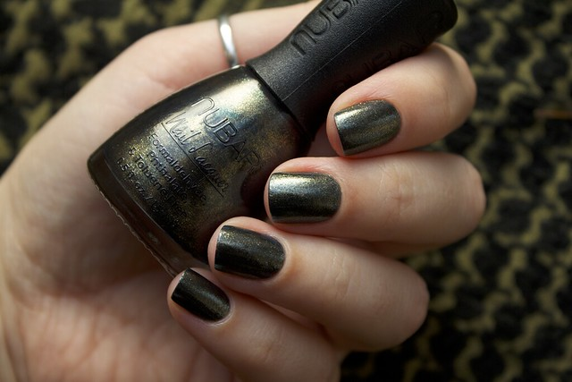 07 Nubar Verde swatches in the shade