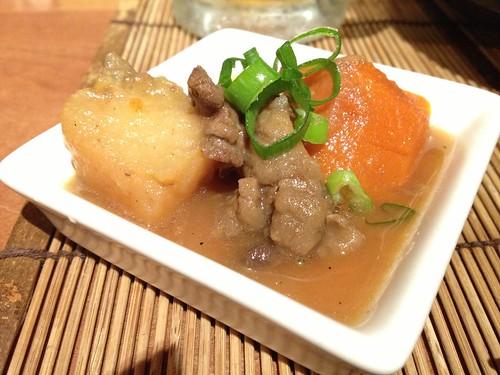 お通しの肉じゃが@九州料理 流