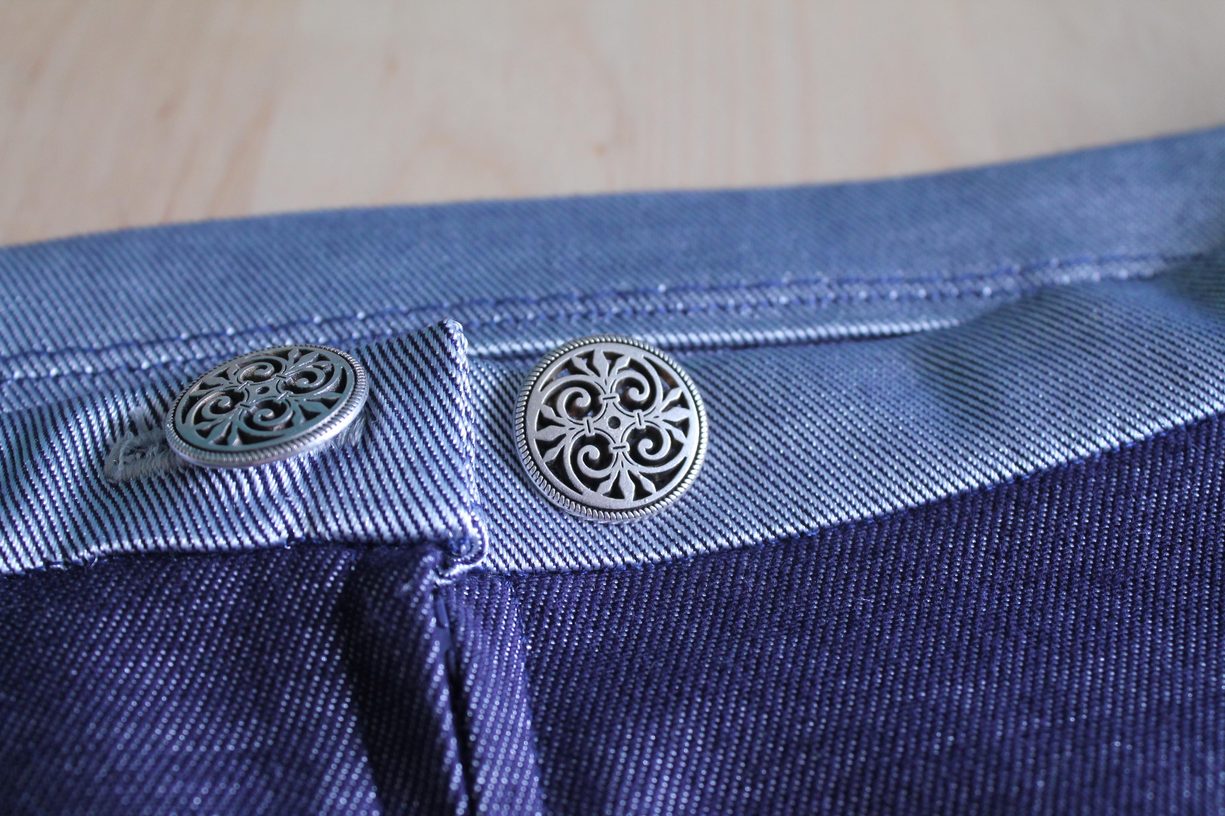 Gallifreyan buttons?