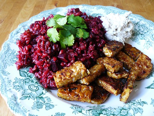 Beetroot risotto & tempeh