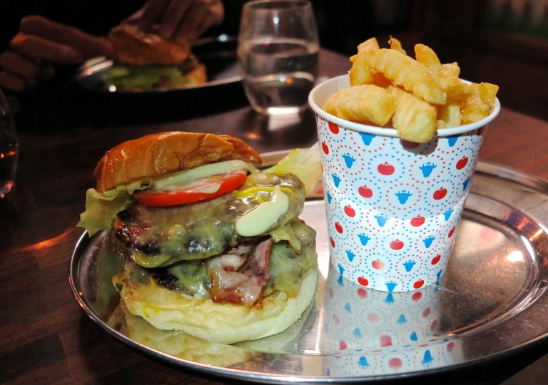 Theo Burger + Chips