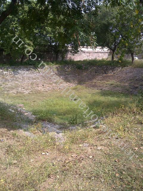 Temple Tank. Jalanatheswarar temple, Thakkolam