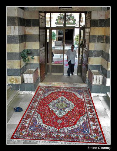 Şeyh Muhyiddin Camii Girişi (Şam - Suriye) by Emine Okumuş